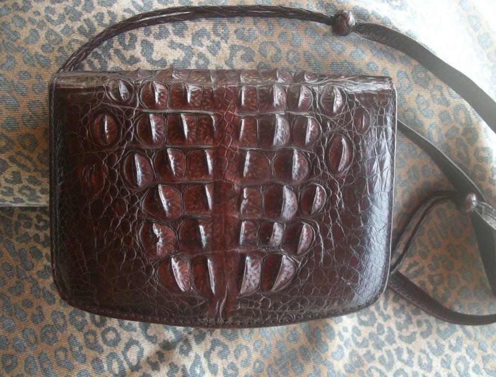 Женские сумки из кожи крокодила на любой вкус